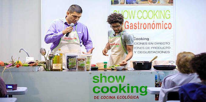 Biocultura en Madrid. el oro de los andes en el show cooking