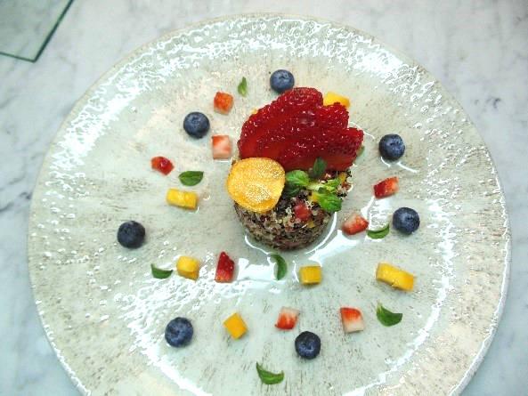 Foto de la receta de taboule de quinoa y frutas